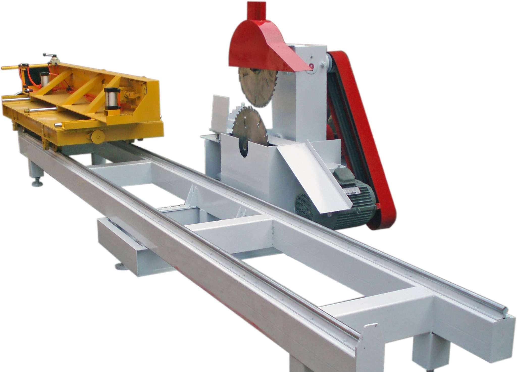 新型木工机械(圆木推台锯),有带锯的性质但功效是带锯的四倍以上